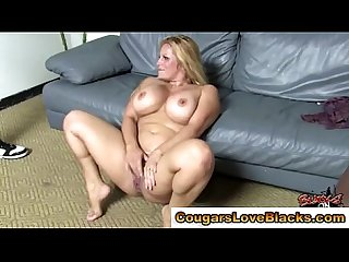 Cougar plumper gets double interracial cumshot